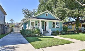710 E 8th 1/2 Street, Houston, TX 77007