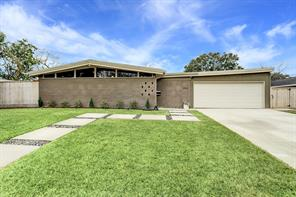 10822 Moonlight Drive, Houston, TX 77096