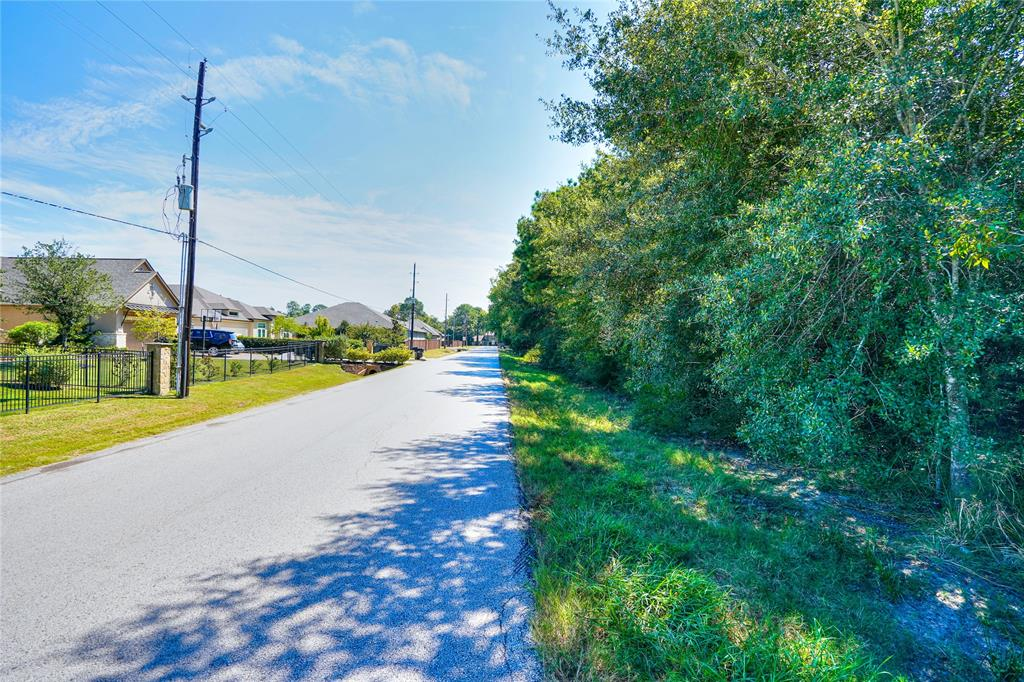 AMAZING OPPORTUNITY!  2.77 ACRE UNRESTRICTED TRACT IN KATY ON SADDLEHORN TRAIL BETWEEN ROESNER AND SADDLESPUR LANE.  RIGHT AROUND THE CORNER FROM WESTHEIMER PARKWAY, MINUTES FROM KATY MILLS MALL, THE WATER PARK AND THE NEW BOARDWALK!  Convenient access to both 99 and I-10.  This land has excellent potential for commercial or residential use; the possibilities are endless.  Not in a flood zone.  Build your home, or office right in the heart of Katy!  Adjoining 2.0 Acres available for sale under MLS # 34428731.
