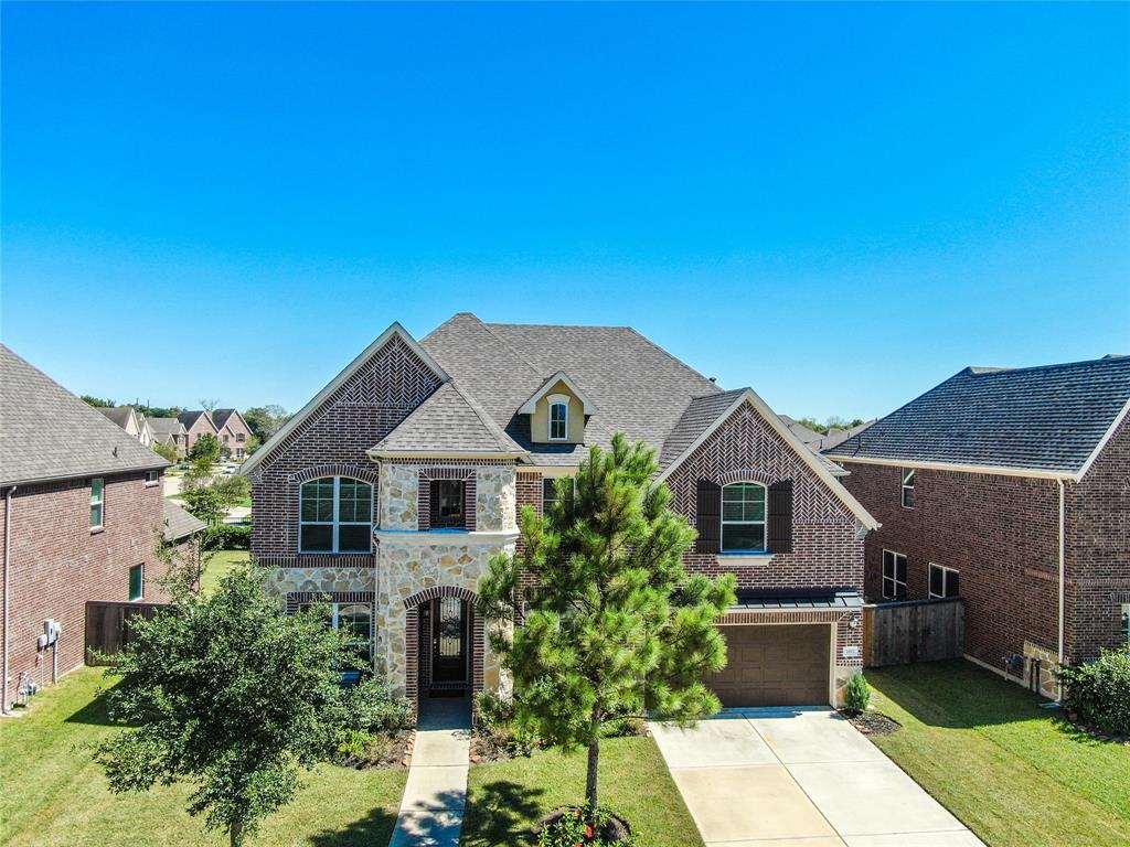 A very rare opportunity within Pearland Estates!  Welcome to 3007 Rocky Canyon Drive, the only home in this beautiful community to come available for purchase in 2020!  This beautiful and spacious Meritage home was built in 2016 and boasts 5 bedrooms, 4.5 baths, media room, game room, attached 2 car garage, and covered backyard patio with direct access to community pond.  This home offers soaring high ceilings, granite counter-tops, wood floors, crown molding, and lots of natural light.  Large primary suite with walk-in glass shower and sunken garden tub.  Meritage homes are known for their energy-efficient features including spray foam insulation to help with those high utility bills during hot summer months.  A rare combination of luxury and efficiency!  HOA includes access to community walking paths, splash pad, and park/play areas.  Also, home is located in Pearland ISD.  Come home and escape to your own private oasis!