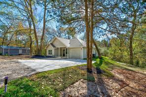 93 Circle Oak, Point Blank, TX, 77364