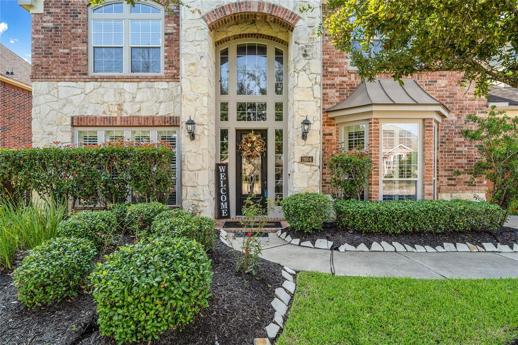 NO YARD SIGN. Beautiful home on a 90ft lot in quiet cul de sac. 2 story Entry & Family room. 5 BRMS (2 down with ensuite bathrooms), 4 Full Bathrooms, 2 Half Bathrooms +3 Car Garage! Family, Game + Media room! Formal Dining, Butler's Pantry, Library w/Glass French Doors. 8 FT doors on 1st Level. His & Her Closets in Primary BR. 2 staircases. Jack & Jill Bath on Level 2. Great Storage! Outdoor Kit w/Covered Extended Patio. Backyard is perfect size for a POOL.  Great Location with easy access to TX Med Center, NRG Stadium and Downtown Houston. Conveniently located to HEB, Walmart, Target and Retail stores in the Pearland Town CTR. SCR has 3 Pools, a Tennis Court + Basketball Court. Beautiful Lakes and winding walking trails through out the community. A wonderful community and an exceptional property to call HOME.