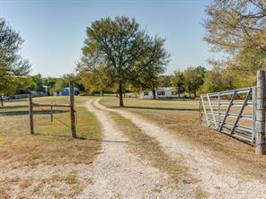164 Valley Creek Drive, Cedar Creek, TX 78612