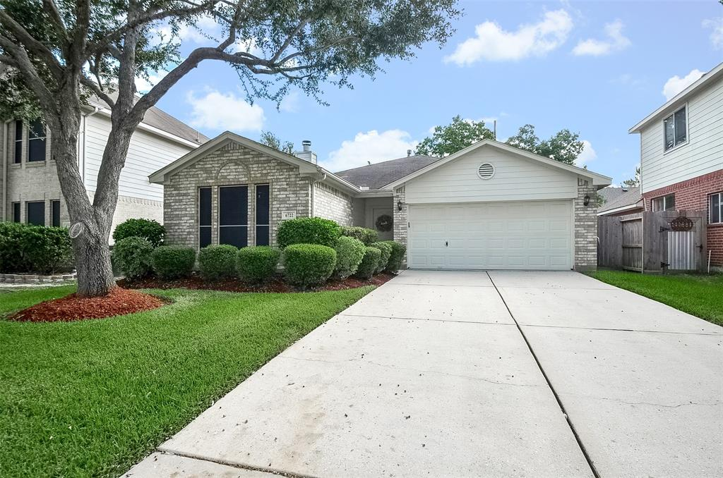 Charming 1 story home located in Crossing at Stone Creek. Perfect amount of exterior landscaping with full sprinkler system is great for easy maintenance. Interior of this home is just as lovely as the outside and features 3 bedrooms and 2 full baths. As you enter this home you are greeted with laminate wood flooring in main living area, primary bedroom and breakfast room. All wet areas have tile and there is only carpet in front two bedrooms. All windows with solar screens for privacy and energy efficiency. Home does have double paned windows too! Washer, Dryer and Refrigerator included. Hurry and take a look at this home today before its gone!