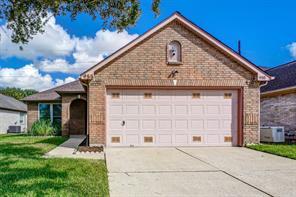 955 Peach Blossom Drive, Pearland, TX 77584
