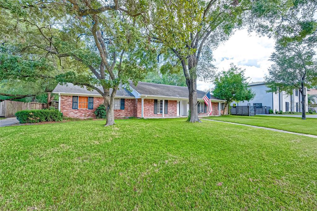 1107 River Glynn Drive, Houston, Texas 77063, 3 Bedrooms Bedrooms, 10 Rooms Rooms,2 BathroomsBathrooms,Single-family,For Sale,River Glynn,93967260