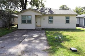 541 Brazoswood Drive, Clute, TX, 77531