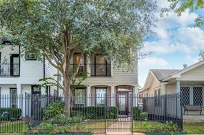 1020 E 27th Street, Houston, TX 77009
