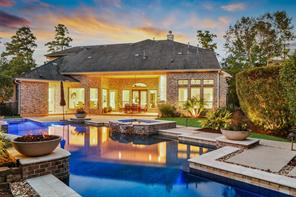 6 Player Pines Court, The Woodlands, TX 77382