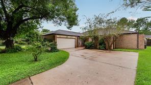 15826 DUNMOOR Drive, Houston, TX 77059