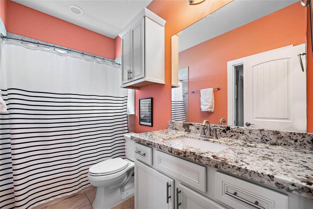 Full bathroom upstairs.