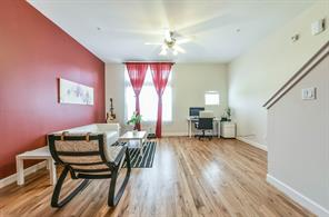 5941 S Loop E 1105, Houston, TX 77033