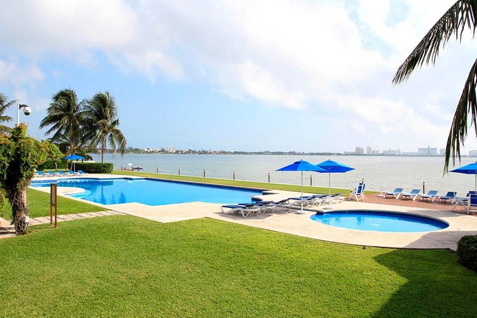 18 Isla Romantica, Cancun,  77500