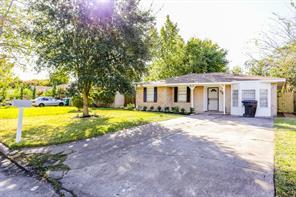 3223 Knotty Oaks Trail, Houston, TX 77045