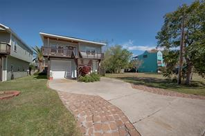 912 Forest Road, Clear Lake Shores, TX 77565