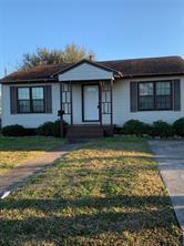 5611 Stewart Avenue, Galveston, TX 77551