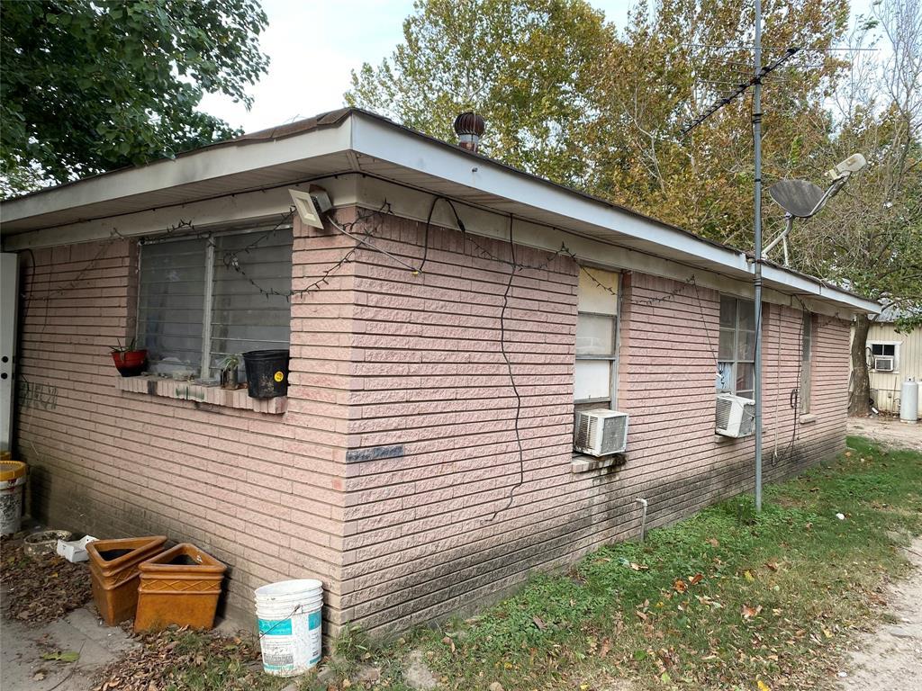 13618 E Hardy Road, Houston, TX 77039