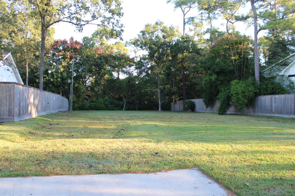 """Come build your dream home in highly coveted Memorial Glen! Backing up to Rummel Creek, this gorgeous property is one of the largest lots in the neighborhood. Private and serene with abundant wildlife and 2019 premium fence. Prime location only a few short miles from City Centre, Town & Country, Memorial City Mall, and other amenities. Neighborhood access to picturesque Terry Hershey hike & bike trails, and to the unique Edith Moore Bird Sanctuary. Nearby Memorial Glen Pool & Tennis Club is short walking distance away. Zoned to premier Spring Branch ISD schools. Exempt from HOA dues! Come take a look. Lot only. Sold """"as is"""". Agent/Owner"""