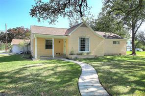 403 S 4th Street, La Porte, TX 77571