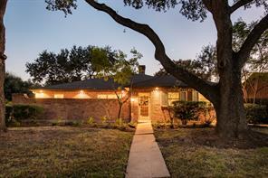 5827 Braesheather Drive, Houston, TX 77096