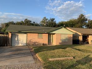 2326 30th Avenue N, Texas City, TX 77590