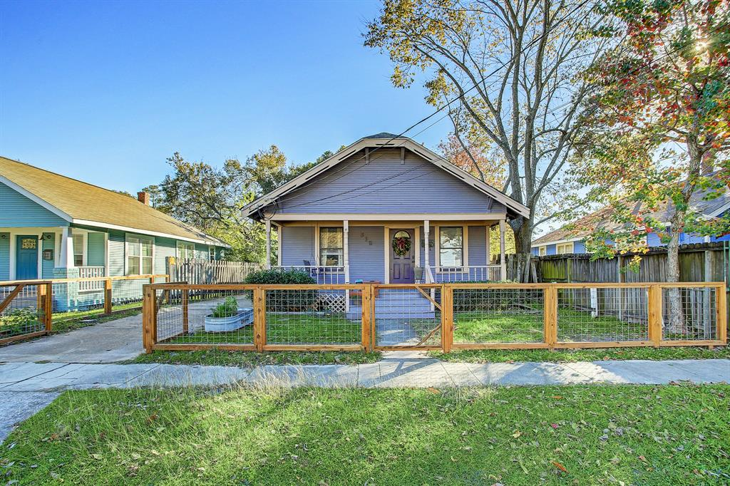 Make this beautiful rental your new home!