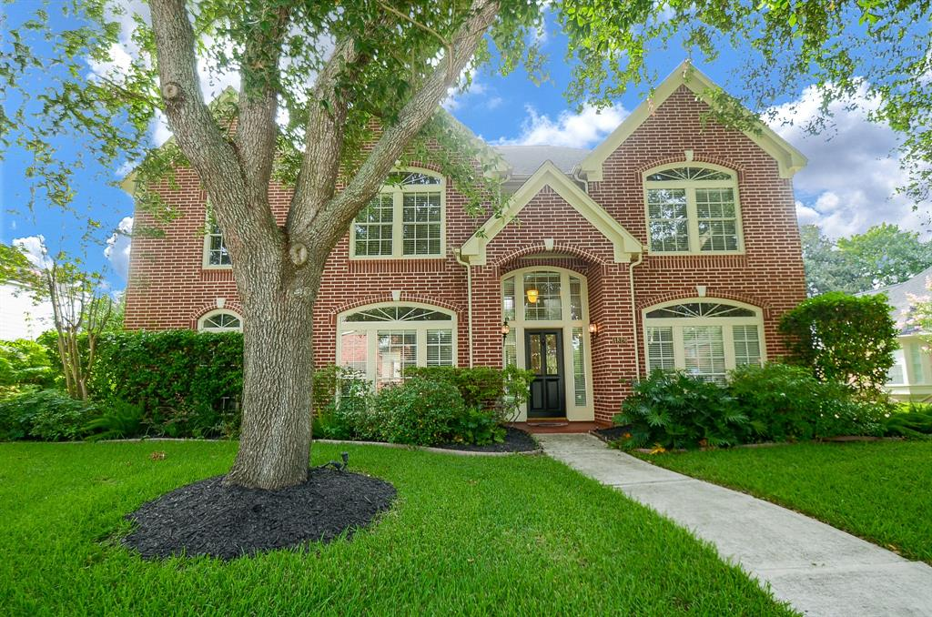 This gorgeous 5 bedroom, 3.5 bath home is nestled in The Commonwealth, offering the best of urban living with accents of the countryside. NEW ROOF BEING INSTALLED SOON!! As you enter you are welcomed with a spacious formal living, formal dining and beautiful hardwood floors. This home features an open floor plan, perfect for entertaining! Cultivate your chef skills in this dream of a kitchen equipped with a huge island, granite counter tops, and stainless steel appliances! The possibilities are endless when you head upstairs, as you are greeted with an oversized game room and loft style study. The spacious backyard features a covered patio and no back neighbors! When you choose this fabulous community as your home, you will have access to a clubhouse, lighted tennis courts, two swimming pools, walking trails, and parks!