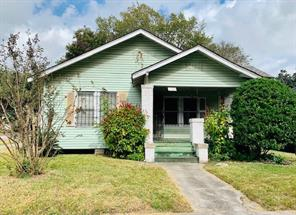 1139 W Gardner Street, Houston, TX 77009