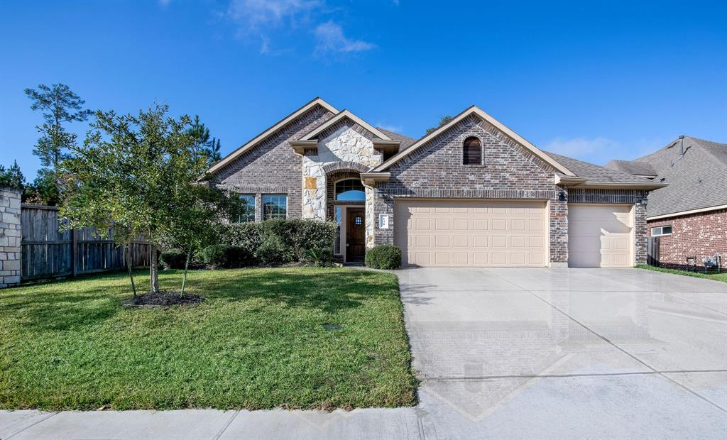 Rarely found one story home with 3 car garage in High Deserved Jacob Reserve! No carpet in whole house! Gourmet kitchen with stainless appliances and  granite counter top. Master suite has a large walk in shower and double sinks. Covered patio for your backyard entertaining! Close to community pool and park!