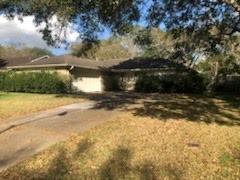 3845 Westglen Drive, Alvin, TX 77511