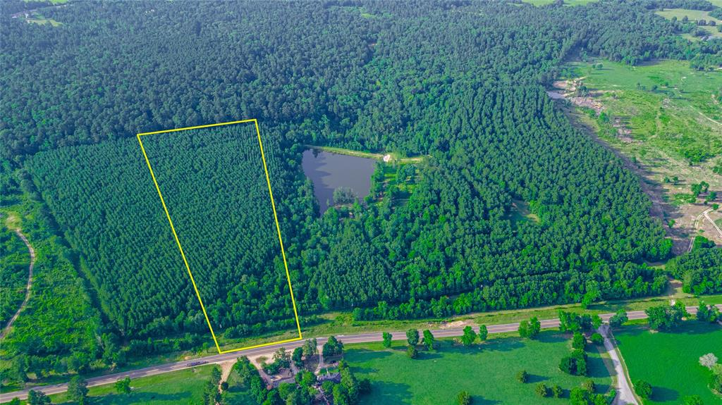 Versatile 12.632-acre property located in LOW-TAX AREA San Jacinto county, just minutes away from the 2nd largest non-restrictive lake in all of Texas - Lake Livingston, and all of the amenities that Willis has to offer! Property is unrestricted, and can be used for horse trails, hunting, or even to build your dream home! Schedule a showing today.