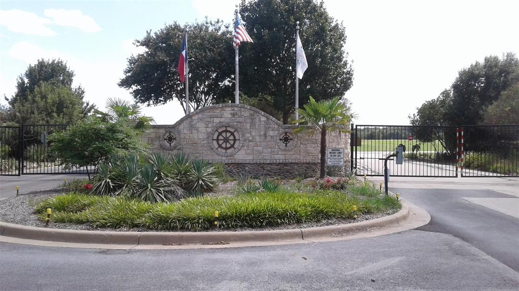 84 Clubhouse Drive, Corsicana, TX 75109