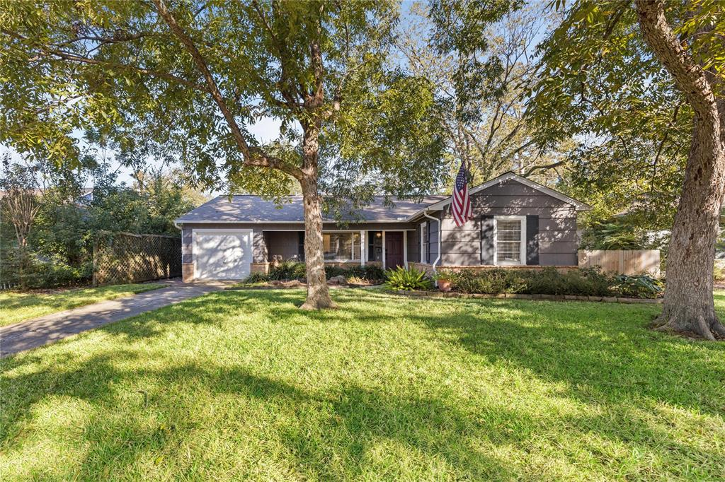 Beautifully updated home in Timbergrove, near the hike and bike trail. Home sits on a 7000+ SF lot.