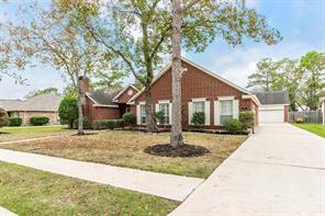 703 Hackberry Lane, Friendswood, TX 77546