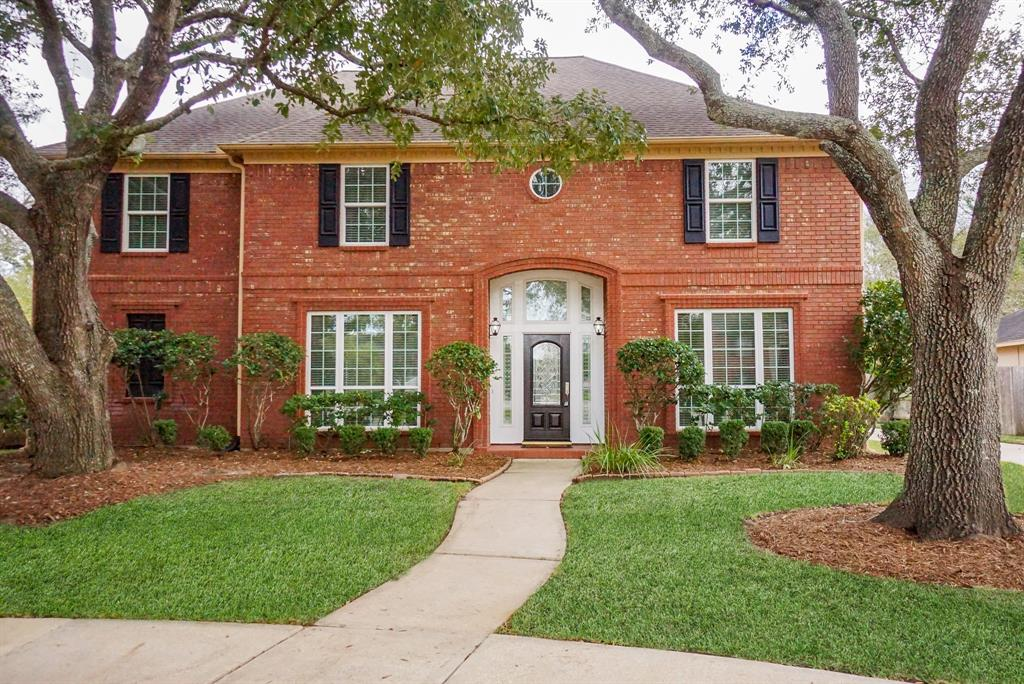 You will love this home situated on a cul-de-sac lot! Two story foyer w/marble tile.  Gorgeous hardwood flooring & crown molding in dining/living rooms.  Home continues to impress w/the light & bright family room w/a wall of built-ins to show case all your favorite pieces.  A chef's dream island kitchen w/new lighting, stainless steel appliances & breakfast nook. Double insulated windows throughout the home for energy savings.  Large master retreat boasting hardwood floors and granite counter tops in en-suite bath. Updated ceiling fans & light fixtures throughout. BRAND NEW CARPET! Second floor features a game room, study/office, 4 additional bedrooms and 2 full baths.  Large back yard to enjoy those TEXAS evenings. Go for a swim in your 10ft deep pool w/new equipment (2 pumps/plumbing/spa blower).  Plus plenty of green space for your pets.  What a place to call home w/all the updates this home has to offer plus the excellent school feeds! Plenty of room for quarantining too!