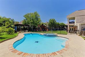 2606 Broken Creek Court, Pearland, TX 77584