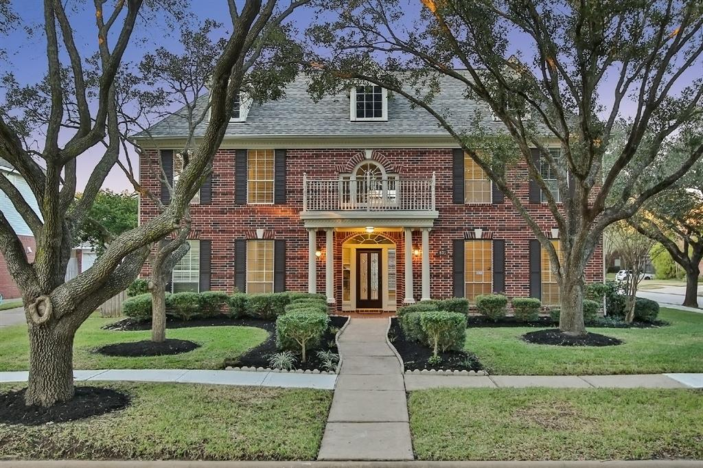 Welcome Home to 831 Epperson Way! This stunning ALL brick Newmark home shows true pride of ownership. Recent roof in 2018. Corner lot with detached OVER-SIZED garage. Steps from the lake. NO carpet! Granite counter tops. Recent tile floors in kitchen in 2018. LARGE bedrooms and closets. Storage galore! New shower in primary 2020. Large game room with built in speakers. Speakers in common area. Double paned windows in the rear of the home. Updated light fixtures, fans, recessed lighting, and blinds. French drainage system in yard. Stainless appliances with double oven in kitchen. Recent garage door with keypad. LARGE patio space in the backyard for a kitchen garden. Automatic sprinkler system. Island kitchen and open to den. Dishwasher replaced 2020. NO flooding!