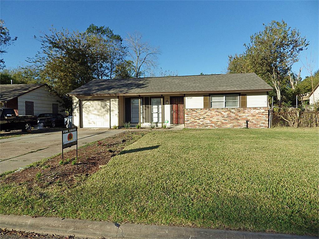 5719 Ricky Street, Houston, Texas 77033, 3 Bedrooms Bedrooms, 6 Rooms Rooms,1 BathroomBathrooms,Rental,For Rent,Ricky,82769258