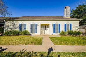 1734 Avenue C, El Campo, TX, 77437