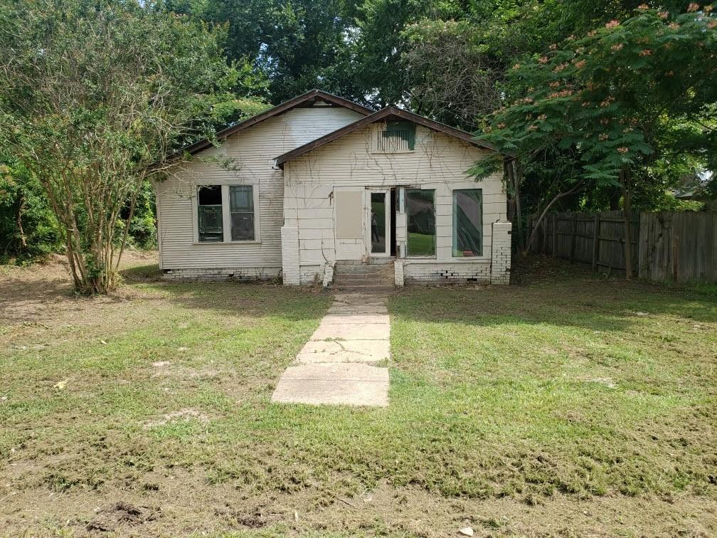 2114 McCormick, Texarkana, TX 75501