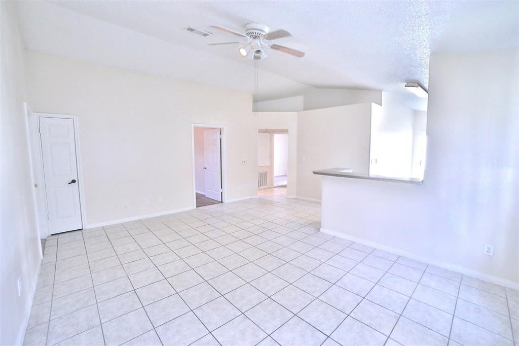 Great investment property or starter home, bright 4 bed 2 bath cute house with no HOA cost for the owner, Easy access to beltway 8 and close to 288. Mast see.