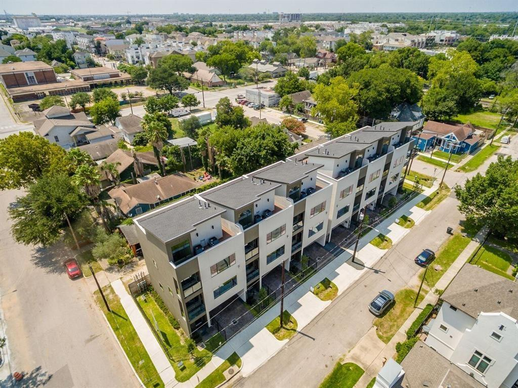 Located minutes from Downtown,Memorial Park,Galleria,Med.Center & Museum District.Home boast large picturesque windows w/breathtaking views,wrap around rooftop deck,2 balconies,high ceilings,floating bamboo staircase,bamboo floors, granite counter-tops, wine cooler,mosaic tiles,wired for surround sound/alarm. Central vacuum, sunken living, fireplace w backlights. Designer tile back splash. Master bath double,separate shower/Jacuzzi tub.**THIS HOME WAS NOT AFFECTED BY HURRICANE HARVEY**