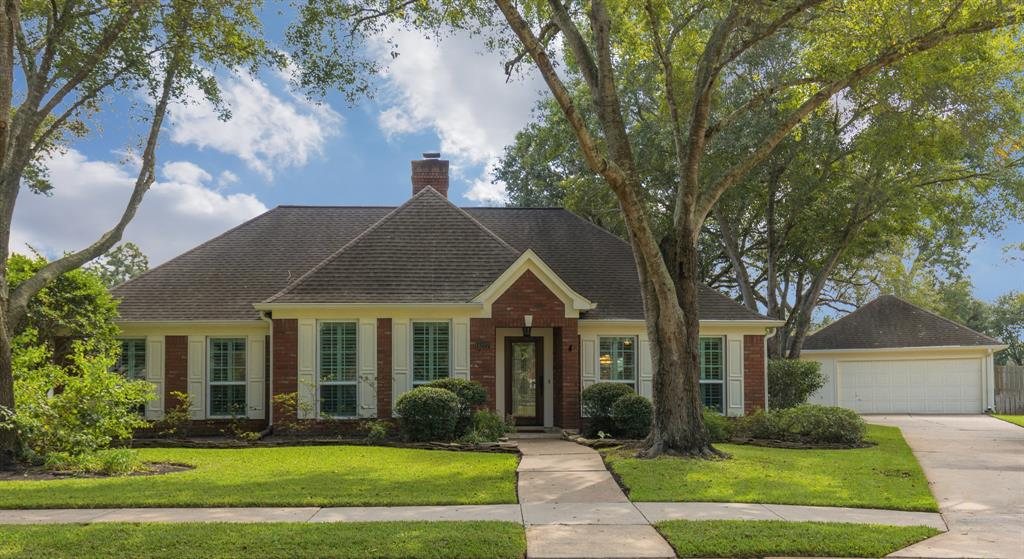 THIS CHIC BRICK ONE STORY IS SITUATED ON AN AMAZING QUIET CUL-DE-SAC LOT! THE INTERIOR HAS BEEN COMPLETELY UPDATED! FEATURES INCLUDE ALL DOUBLE PANED WINDOWS, STYLISH FLOORING, DESIGNER LIGHTING, CROWN MOLDING & VAULTED CEILINGS! THE RENOVATED KITCHEN BOASTS EXTENSIVE CUSTOM BENEDETTINI CABINETRY, GRANITE COUNTERTOPS, PRETTY TRAVERTINE BACKSPLASH & A HUGE ISLAND THAT IS PERFECT FOR ENTERTAINING! THE PRIMARY BEDROOM IS SPACIOUS, BOASTING ROPE UPLIGHTING, VAULTED CEILINGS, PLANTATION SHUTTERS & BEAUTIFUL WOOD FLOORS. THE PRIMARY BATHROOM IS ABSOLUTELY GORGEOUS! IT'S BEEN COMPLETELY RENOVATED FROM TOP TO BOTTOM. FROM THE DESIGNER LIGHTING ILLUMINATING THE SWAROVSKI CRYSTAL HARDWARE, TO THE STAND ALONE TUB & INCREDIBLE OPEN SHOWER, THIS BATHROOM HAS IT ALL! THE PRIVATE LOT BACKS TO A BEAUTIFUL GREEN SPACE! IT FEATURES MATURE TREES, LUSH LANDSCAPING & SERENE,PEACEFUL VIEWS. THERE IS PLENTY OF ROOM FOR A POOL! IT IS ZONED TO ALL OF THE HIGHLY SOUGHT AFTER SCHOOLS IN A WONDERFUL NEIGHBORHOOD!