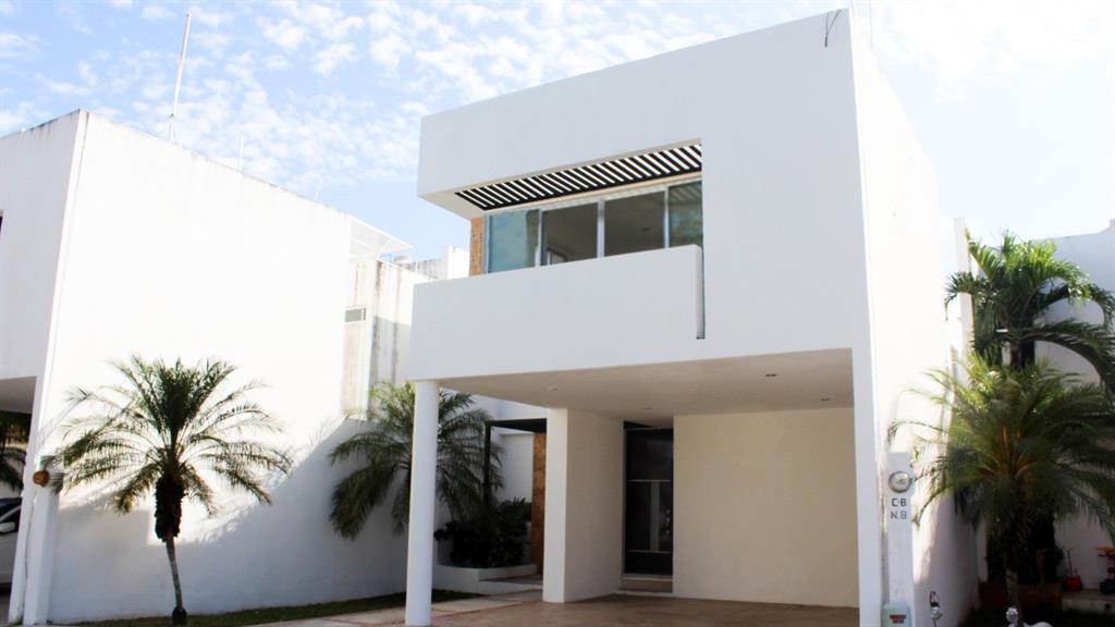 8 calle, Merida Yucatan,  97305