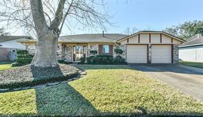 909 Regency Drive, Deer Park, TX 77536
