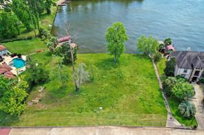 28568 Oaks On The Water, Conroe, TX 77356