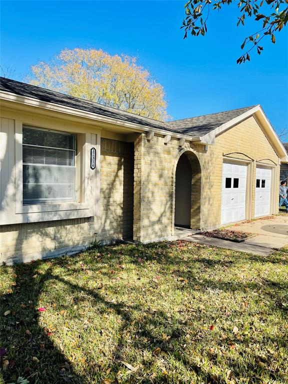 Super remodeled 3 bedrooms 2 bath New Floor , no carpets, super fresh painted exterior Brick, fireplace granite counter top, covered patio nice back yard . Must see it