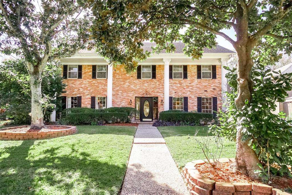 One of a kind home on River Bend Golf Course with GREAT views! Large addition can be Master Suite/ Quarters or Teen room it has extra kitchen and large loft. Must see!