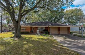 2221 Hoskins Drive, Houston, TX 77080