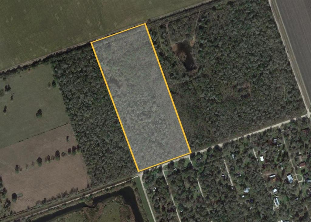 17.5 HEAVILY WOODED ACRES, ON TWIN LAKES RD ACROSS FROM TWIN LAKES SUBDIVISION. UNRESTRICTED AND READY FOR ANY TYPE OF DEVELOPMENT OR FARM/RANCH USE. LOCATED ON THE EDGE OF BRAZORIA COUNTY WITH FORT BEND COUNTY. READY FOR A NICE RETREAT FROM THE CITY OR INVERSTORS WELCOME FOR DEVELOPMENT ACROSS AN EXISTING DEVELOPMENT.